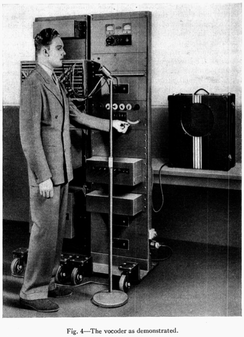 A front picture of the Vocoder, during its demonstration.