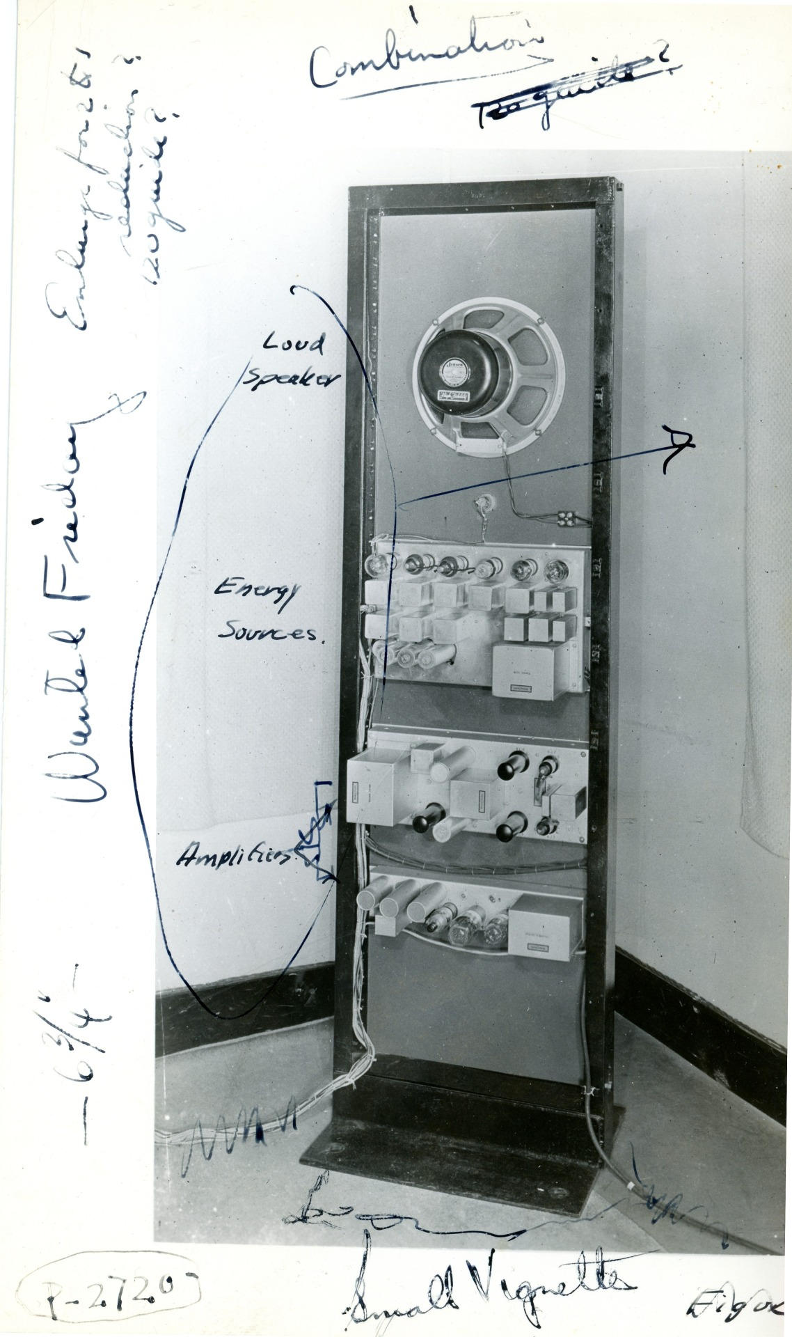 A back view of the Vocoder, in this picture who has some explanation signs.